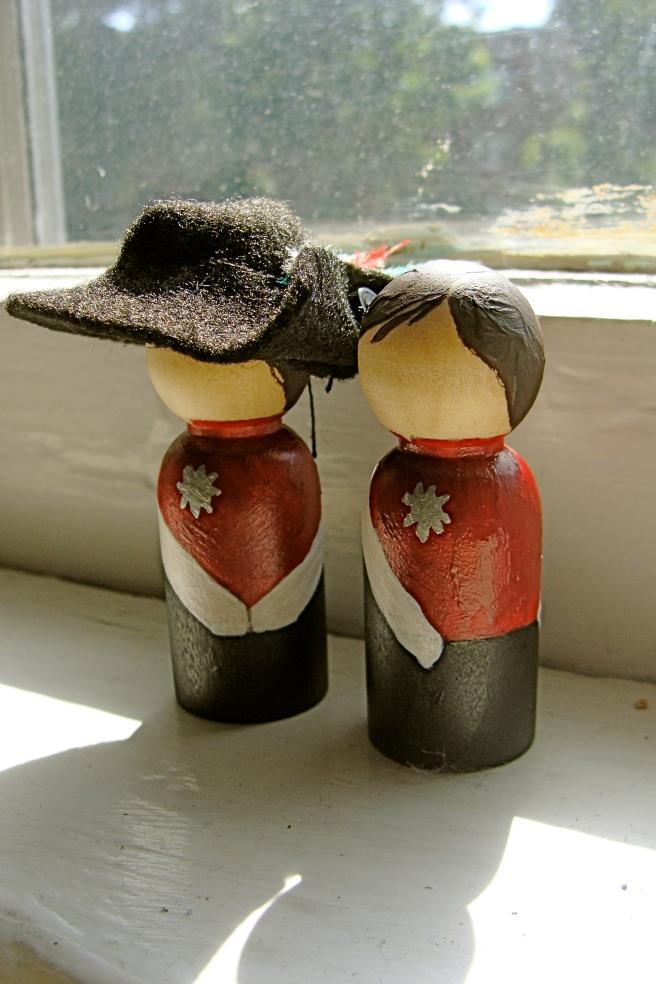 drum corp figurines